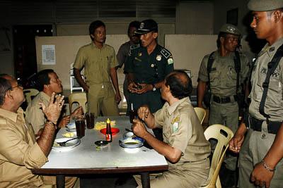 razia pns Pegawai Bolos Kerja Kenaikan Pangkat Ditunda Razia Pegawai Pemko Padangsidimpuan Dinilai Tak Efektif