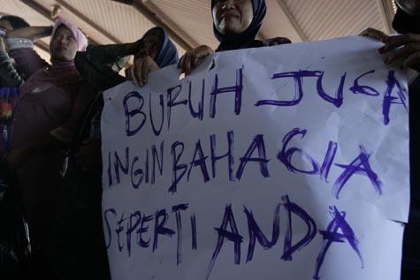 http://www.acehkita.com/wp-content/uploads/2012/05/Akita-Demo-Buruh.jpg