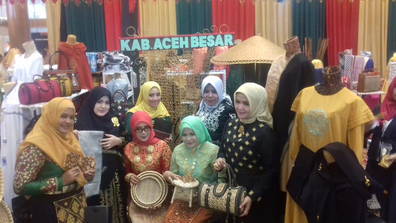 Motif Pucok Reubong Aceh Jadi Ikon Pameran Kriya Nusa 2018