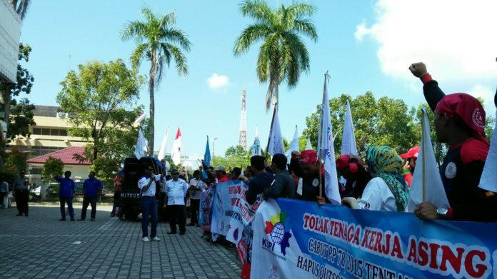 Buruh Aceh Suarakan Tolak Tenaga Kerja Asing