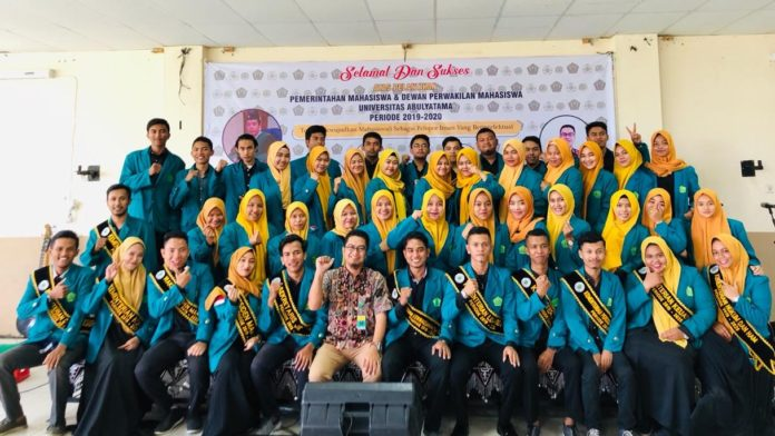 Rahmatun Phounna Dilantik Jadi Presiden Mahasiswa Unaya