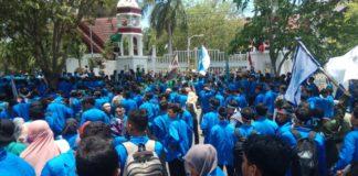 Tolak PT EMM, Ribuan Mahasiswa Kembali Demo Kantor Gubernur