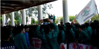Demo Tolak Tambang di Kantor Gubernur Berakhir Ricuh