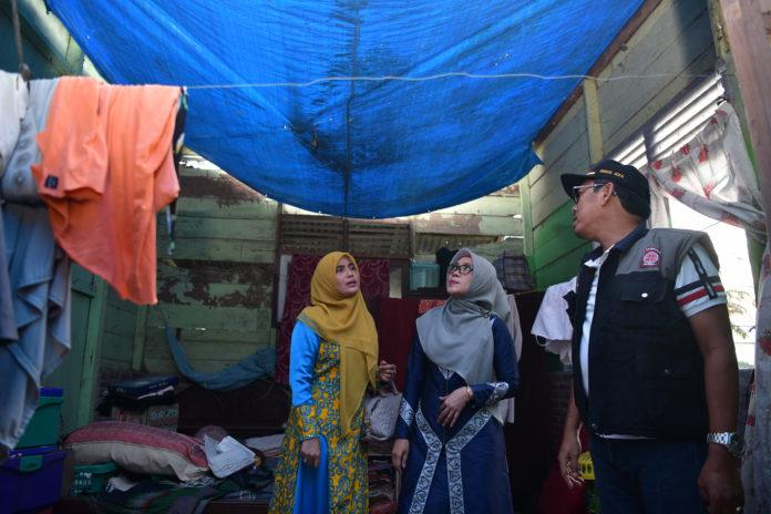 Pemerintah Aceh Serahkan Bantuan untuk Korban Puting Beliung di Bireuen