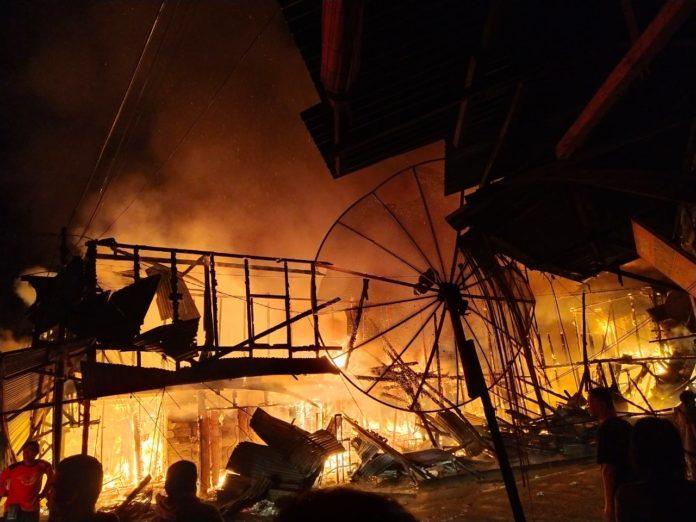 Video: Kebakaran Hanguskan 29 Unit Ruko di Kota Sinabang